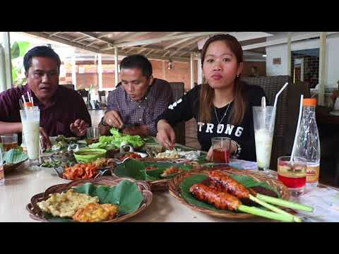 Nyidam.... Makanan Sunda Di Bandung.... Perut Sampai Begah.... PUAS!!!