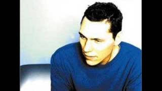 Watch Dj Tiesto As The Rush Comes video