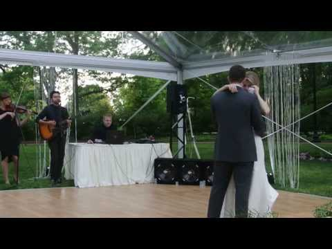 Bride and Groom First Dance You are the best thing acoustic