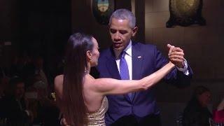 اوباما يرقص التانغو خلال مأدبة عشاء رسمية في الارجنتين