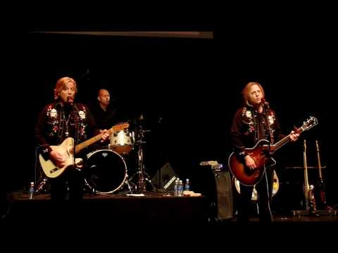 Matthew and Gunnar Nelson  - Travelin' Man & Hello Mary Lou (Live, Rick Nelson tribute show 2015)
