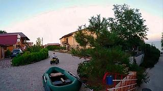 видео Отдых на Азовском море: лучшие базы отдыха (Ейская коса)