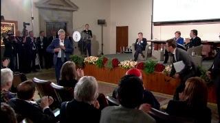 Gentiloni ad Assisi per la cerimonia di consegna della Lampada della Pace ad Angela Merkel