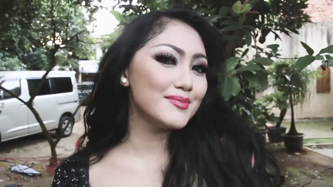"""pembuatan mela barbie videoklip """"TITI DJ TITI KAMAL"""" - YouTube"""