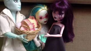 Repeat youtube video Monster High Stories Ep.1 (Elissabat)