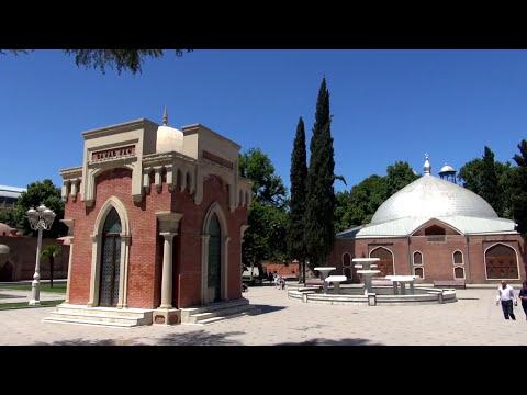 Азербайджан своим ходом Миниатюрная Гянджа Мавзолей Джавад Хана Джума Мечеть Бани в центре