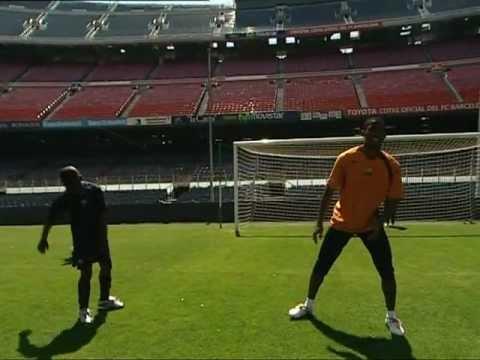 FC BARCELONA - SAMUEL ETOO SOCCER LESSONS (3/4)