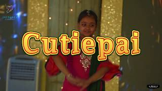 Gambar cover Cutiepie Dance Performance In Bangladeshi Wedding | Mostofa ❤ Parsa's Holud
