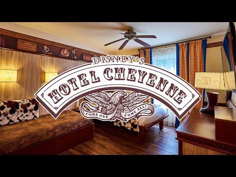 "disney's-hotel-cheyenne---tour-of-a-""woody's-roundup""-standard-room---disneyland-paris-hotels"