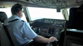 Air New Zealand B777-200 landing from flight deck