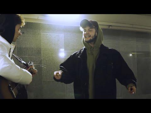 Музыкант РАЗЫГРАЛ ПРАНКЕРА (AKSTAR) | Притворился новичком с уличными музыкантами