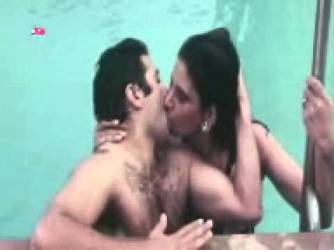 Sunny deol kiss