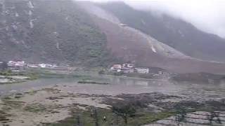 Landslide in Sichuan, China - Mobile phone footage 1