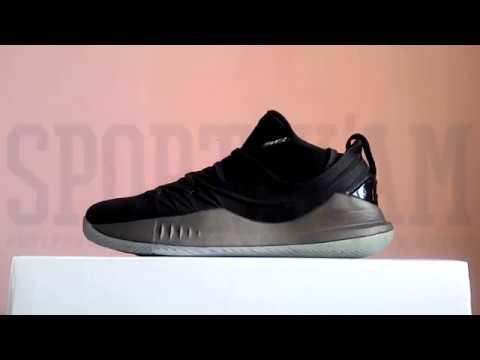 Баскетбольные кроссовки Under Armour Curry 5 Low 3020657-002. sportikam db900dc6811