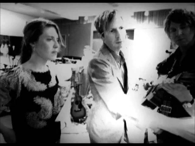 feist-how-come-you-never-go-there-beck-remix-all-tomorrows-music