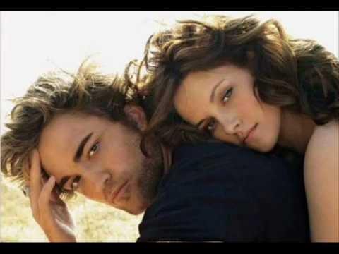 Kristen Stewart and Robert Pattinson   There Alright