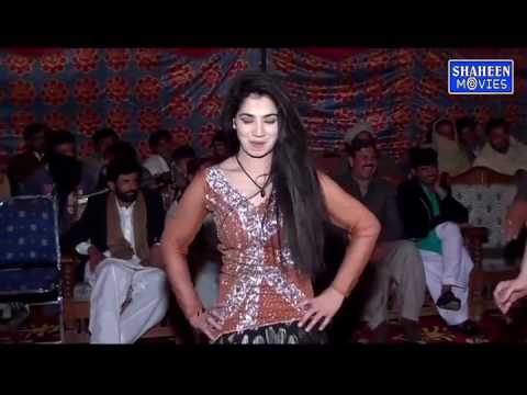 Mahek malik so nice dance skills by her on Arabic music