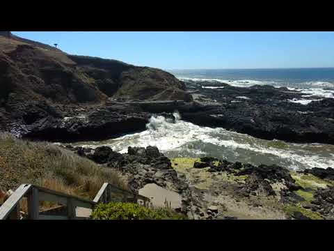 Spouting Horn south of Yachats, OR