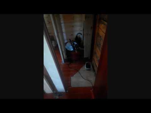 Ванная комната в деревянном доме—