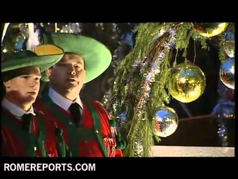 el-vaticano-enciende-las-luces-de-su-espectacular-árbol-de-navidad-2010