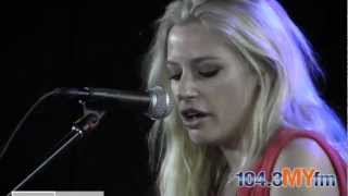 """Gin Wigmore """"Man Like That"""" Live Acoustic"""