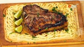 Рецепт стейка портерхаус (ти-бон) с пюре, запеченного на гриль-доске, в духовке