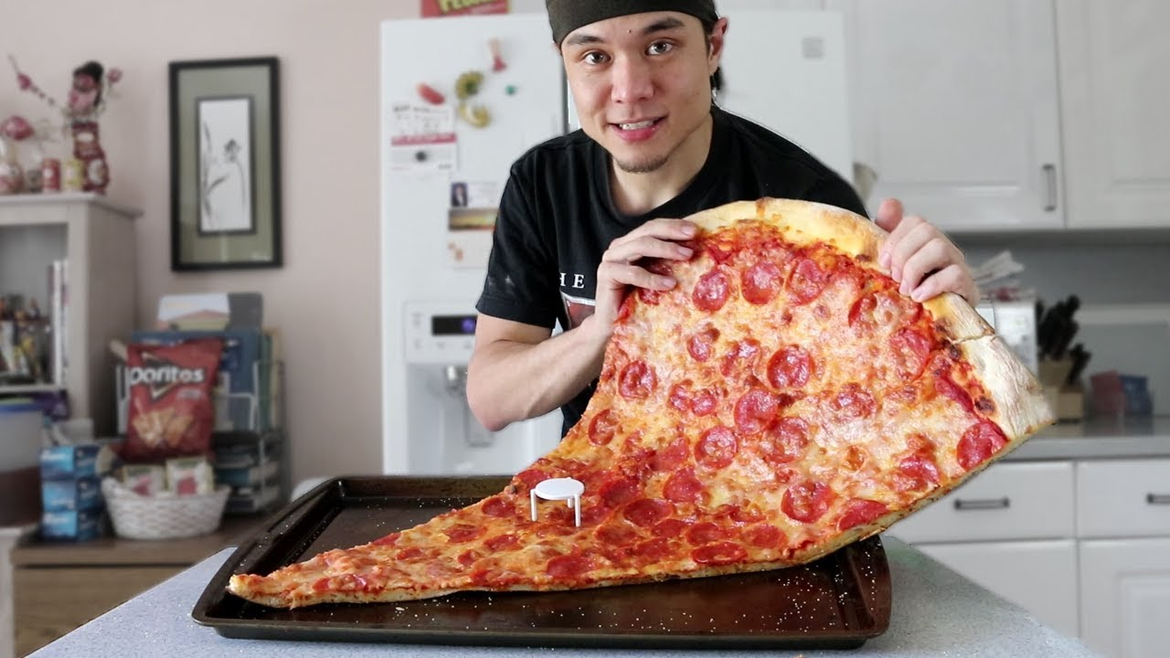 matt-stonie-vs-1-massive-slice-of-pizza