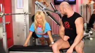 Как дома подтянуть тело? Упражнение для увеличения груди!