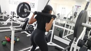 in de gym met Thishura - Slim thick Booty workout