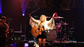 Kelsea Ballerini - Stupid Boy (Live at The Texas Club)