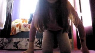 Видео урок как сесть на поперечный шпагат 😣