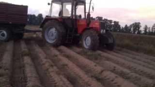 belarus 820 d 50  d35 wyrywanie przyczep z pola