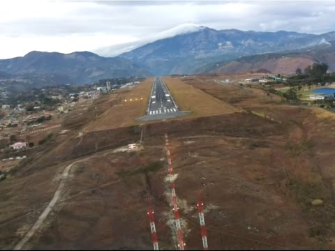 Most Dangerous Landing in Colombia - Approach runway 20