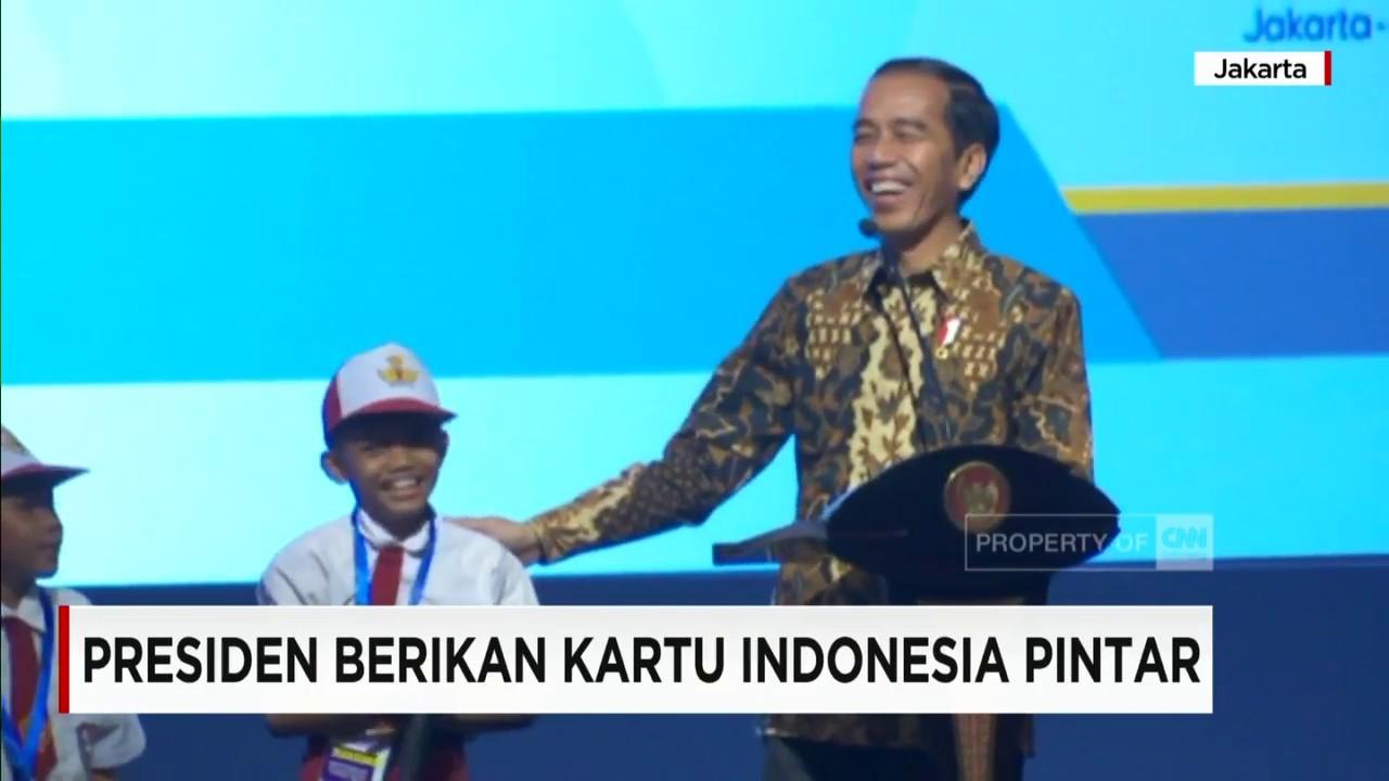 """Presiden Jokowi Tertawa """"Ngakak"""" Dengar Jawaban Siswa SD Ini"""