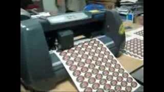 Изготовление этикеток на мини плоттере,бумага A3/A4.mp4(Миниплоттер,изготовление этикеток поддержка формат A3, А4, макс. ширина резки 28см. www.armaden.ru., 2012-03-15T04:10:58.000Z)