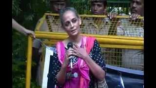 Arundhati Roy - Protest at Odisha Bhavan in New Delhi on 31 July 2013