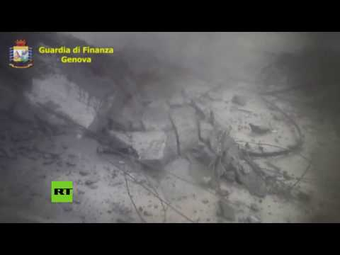 El momento exacto en el que se derrumba el puente de Génova