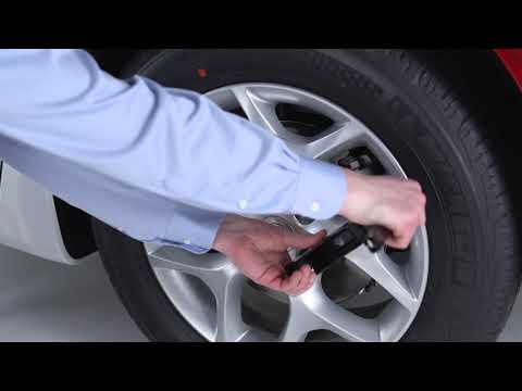 Jacking and Tire Changing - How to change a tire on 2019 Chrysler Pacifica