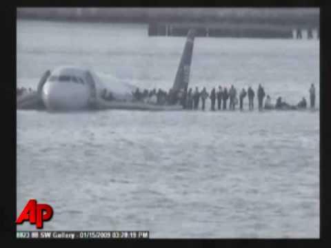 Raw Video: NY Plane Crash Caught on Tape