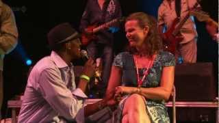 Kool & The Gang - Cherish / Get Down On It (Live in Glastonbury 2011)