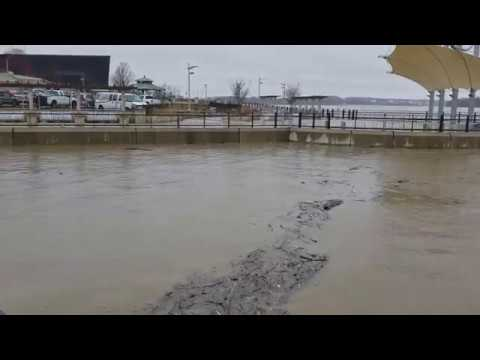 Ohio River Close to Spilling Over in Owensboro