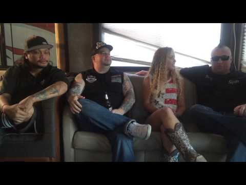 60 seconds with Niki Tilley and the Moonshine Bandits!