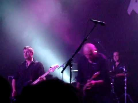 THE STRANGLERS @ LESSINES -31-03-12- HEY! (Rise Of The Robots)