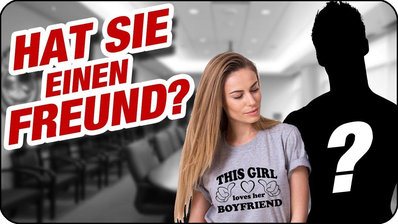 Merkt man es einer frau an ob sie single ist [PUNIQRANDLINE-(au-dating-names.txt) 47