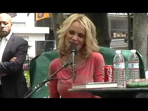 Kristin Chenoweth Bryant Park Reading Room intervi...