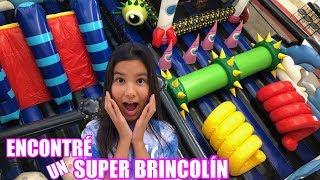 ENCONTRE UN BRINCOLIN INFLABLE GIGANTE | TV Ana Emilia