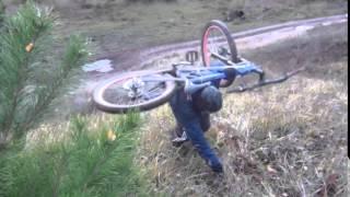 Видео с велосипедами.  Спуск на велосипеде с горки(Пишут