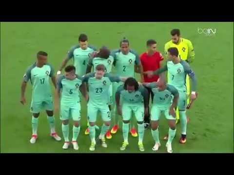 Adepto entra em campo, tira selfie e foto oficial de equipa vídeo Portugal