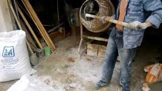 Приготовление самодельной штукатурной смеси на основе перлита(Это смесь для внутренней штукатурки! Компоненты: Цемент(1) Песок(1) Известь гашеная(1) Перлит(5) пластификатор+..., 2013-06-13T10:18:54.000Z)