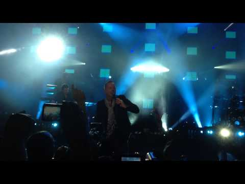 Simple Minds - Intro / Waterfront @ Hydro